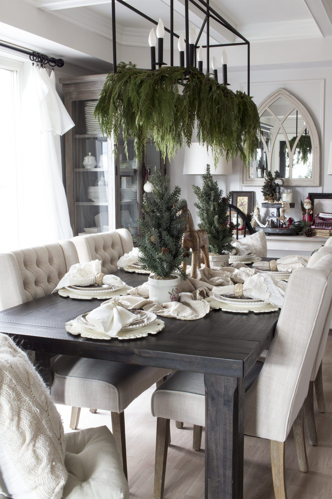 Modern Farmhouse Dining Room Filled With Cozy Christmas Decor Modern Farmhouse Dining Room Christmas Dining Room Table Decor Christmas Dining Room Table