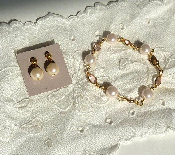Pearl Bracelet Earrings Set by BonniesVintageAttic on Etsy, $16.00