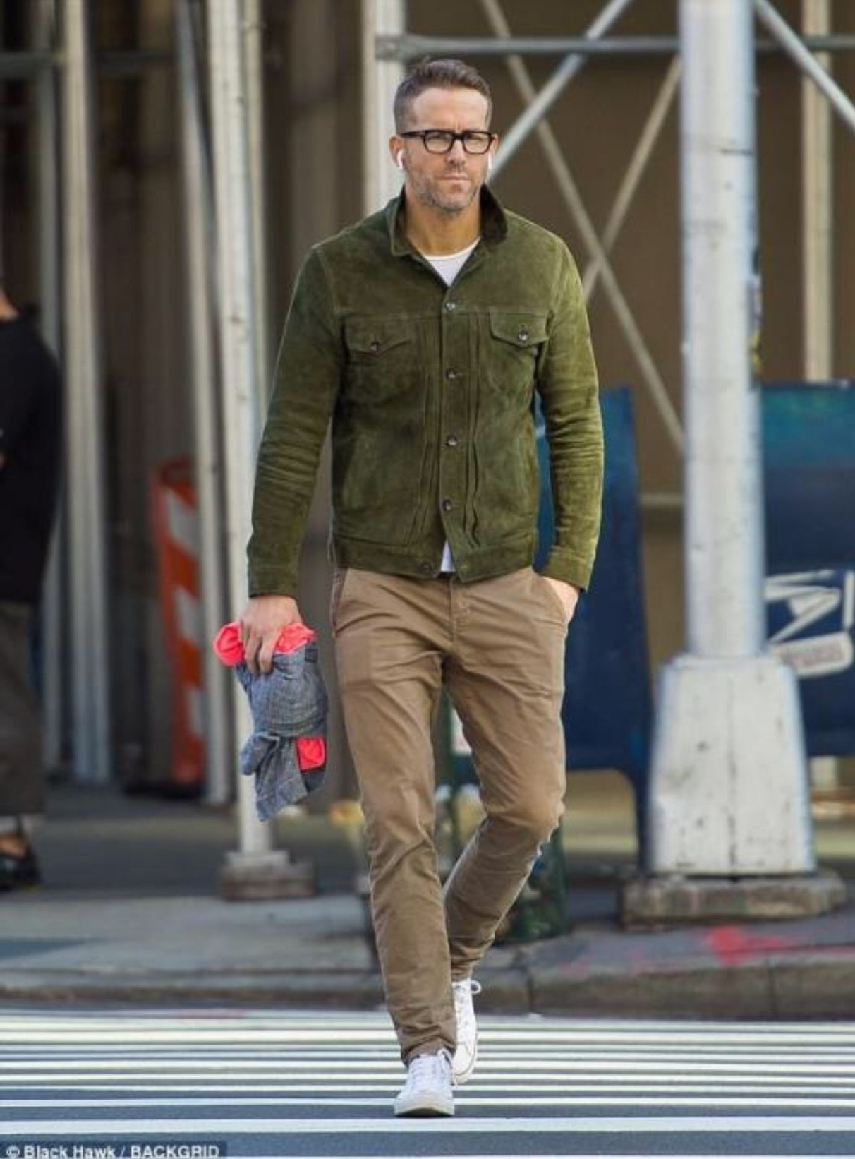 Ryan Reynolds Mens street style, Mens casual outfits