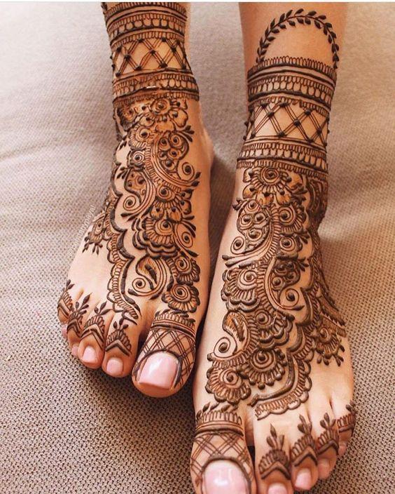 Latest Arabic Henna/Mehndi Designs for Feet