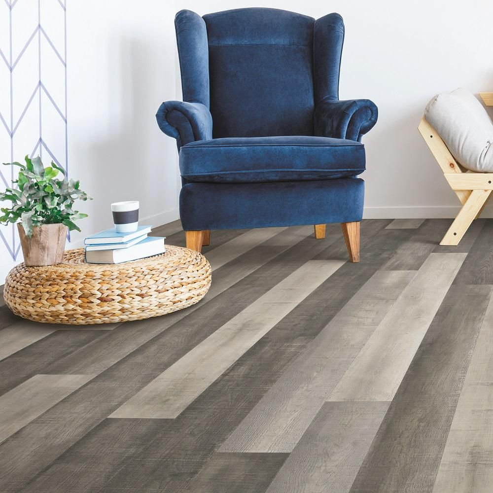 Pergo Outlast+ Standout Grey Oak 10 mm Thick x 61/8 in