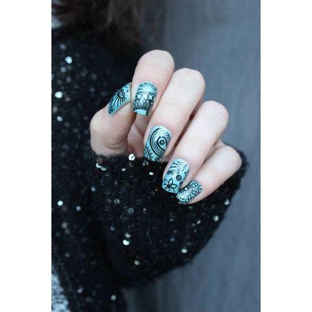 Moyou Fashionista #nailart - bellashoot.com & bellashoot iPhone & iPad app