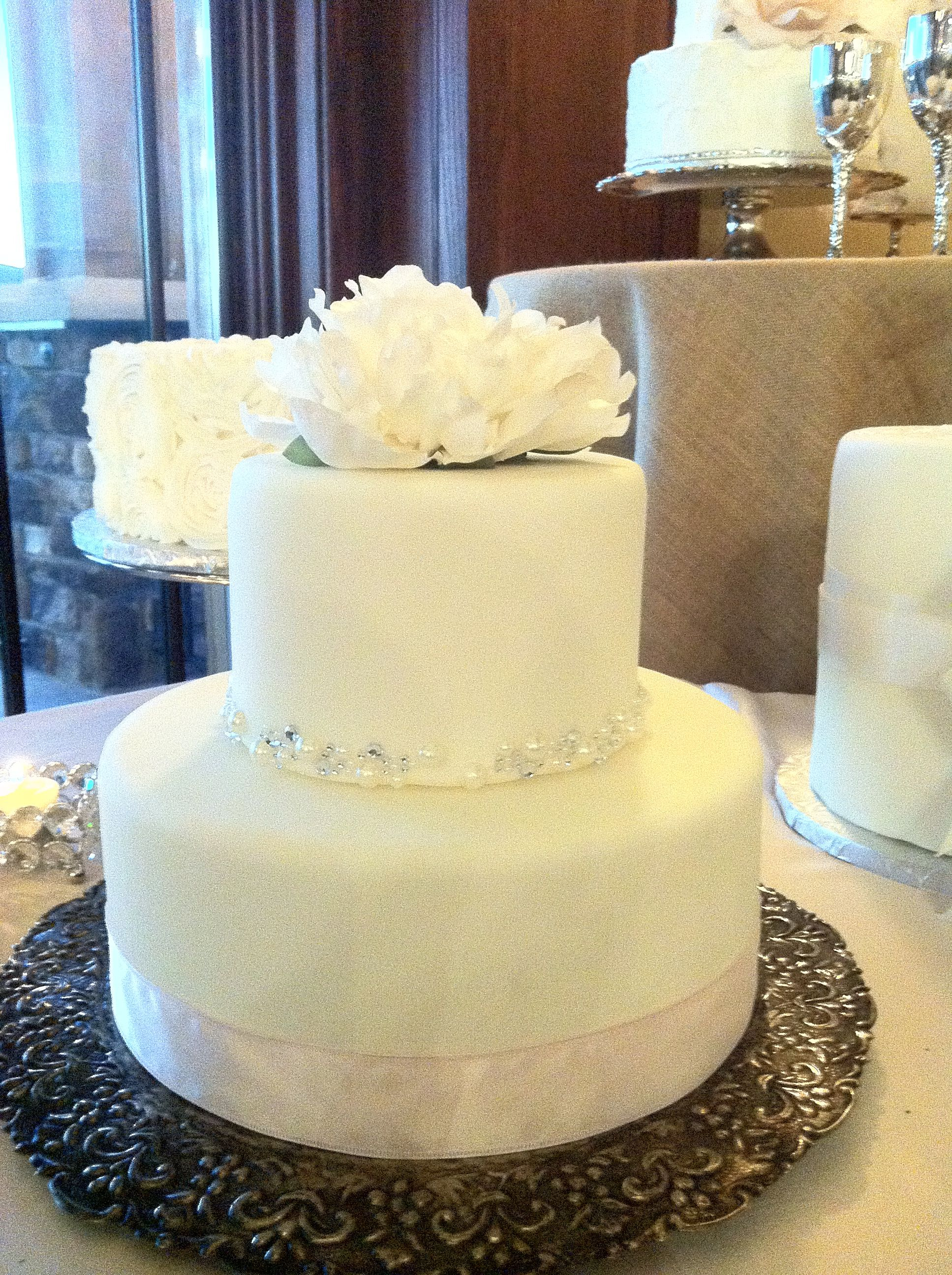 wedding cake b