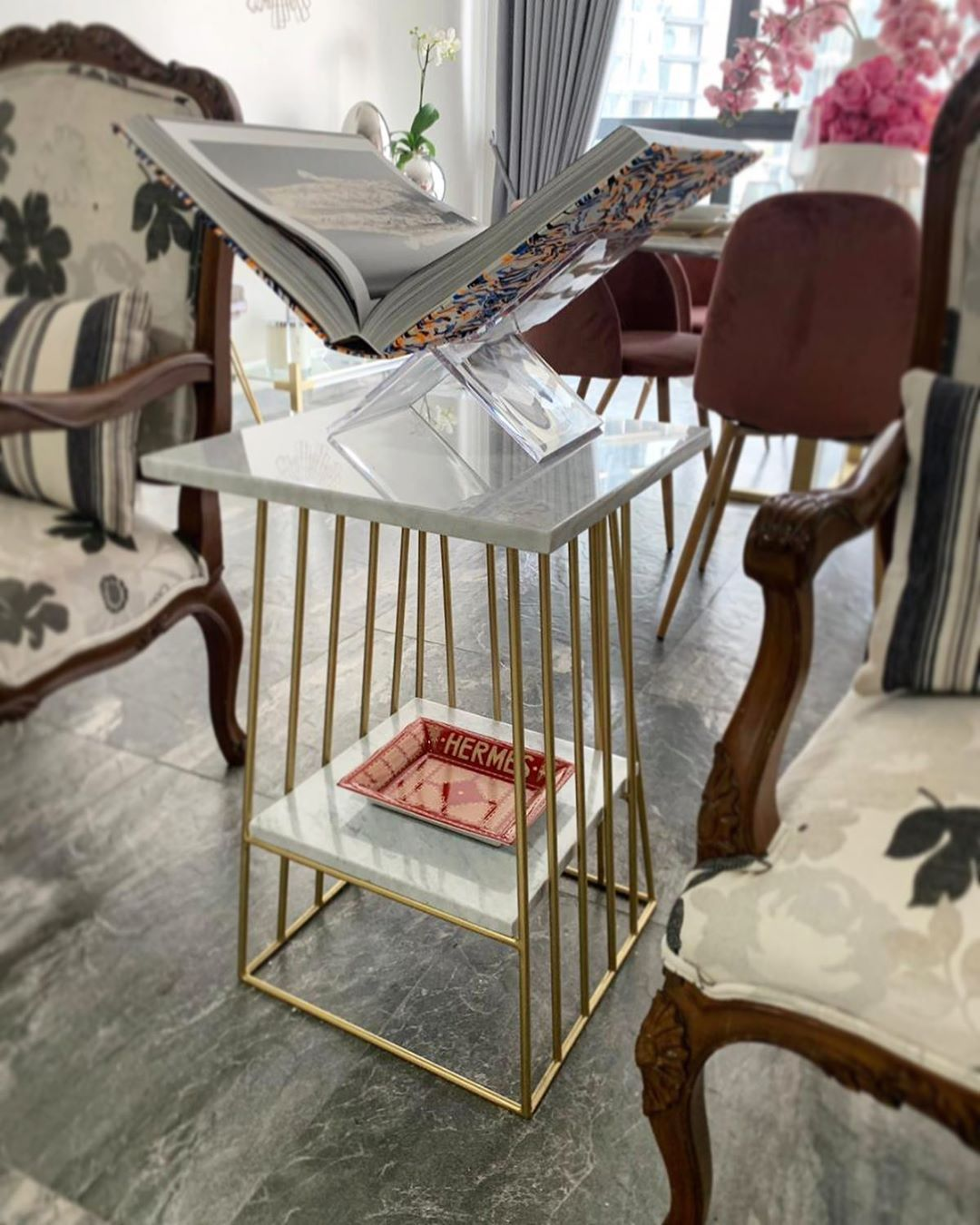 "MushMel on Instagram: ""Good design goes straight to heaven ✨✨✨ . . . #marbledesign #homestyle #marblesidetable"""