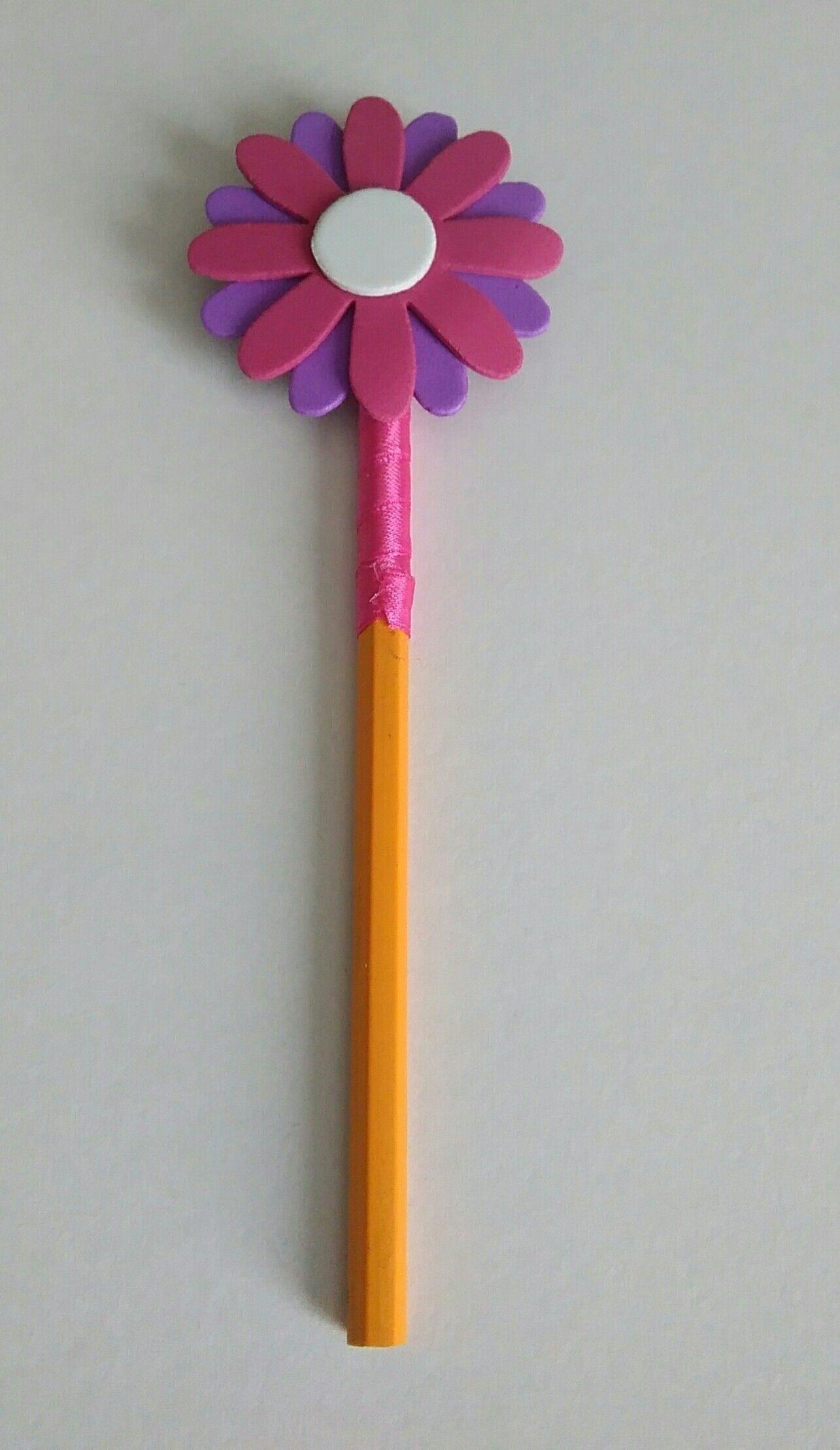 matita rivestita con nastrino,fiore realizzato in gomma crepla per info contattatemi via email rdlmcl@hotmail.it