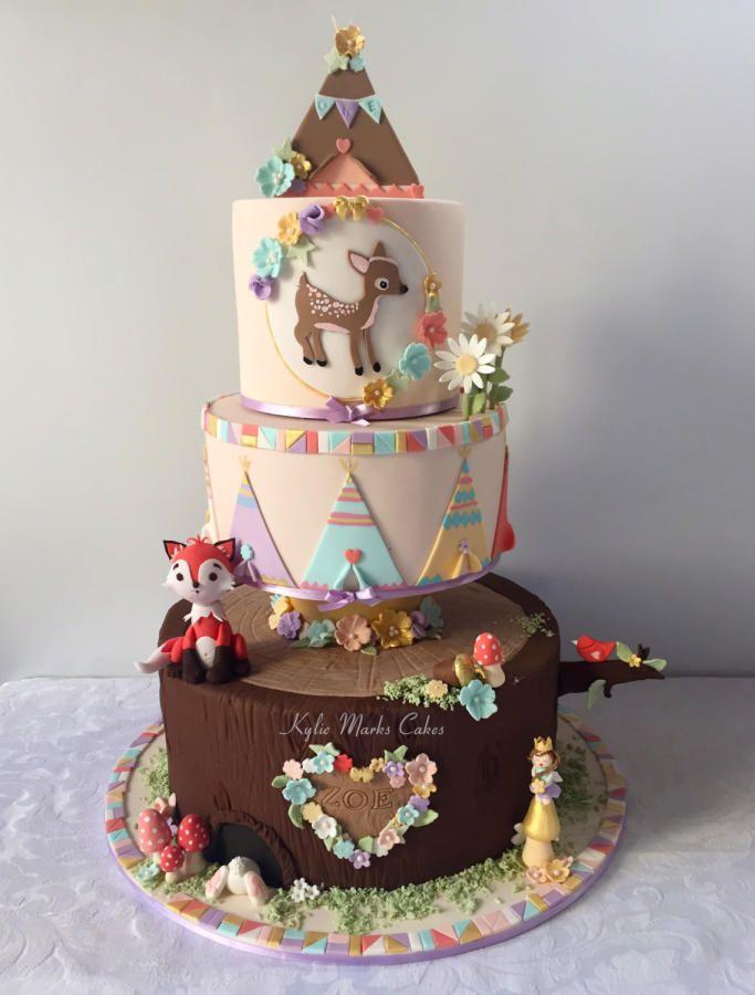 Woodland cake by kylie marks cakes cake decorating for Animal cake decoration ideas