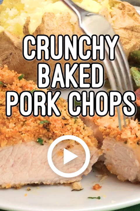 Crunchy Baked Pork Chops by Family Food on the Table. This recipe is super easy to put together with just a few pantry staples. Pin made by GetSnackable.com. #PorkChops #Crunchy