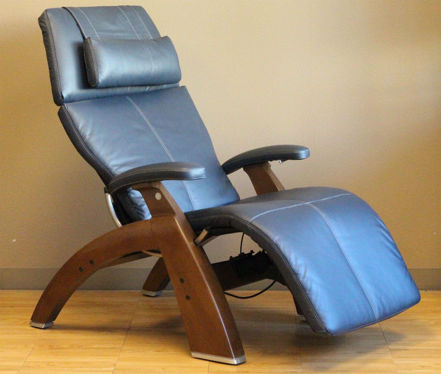 Leather Silhouette Power PC 500 Human Touch Zero Gravity Perfect Chair  Recliner