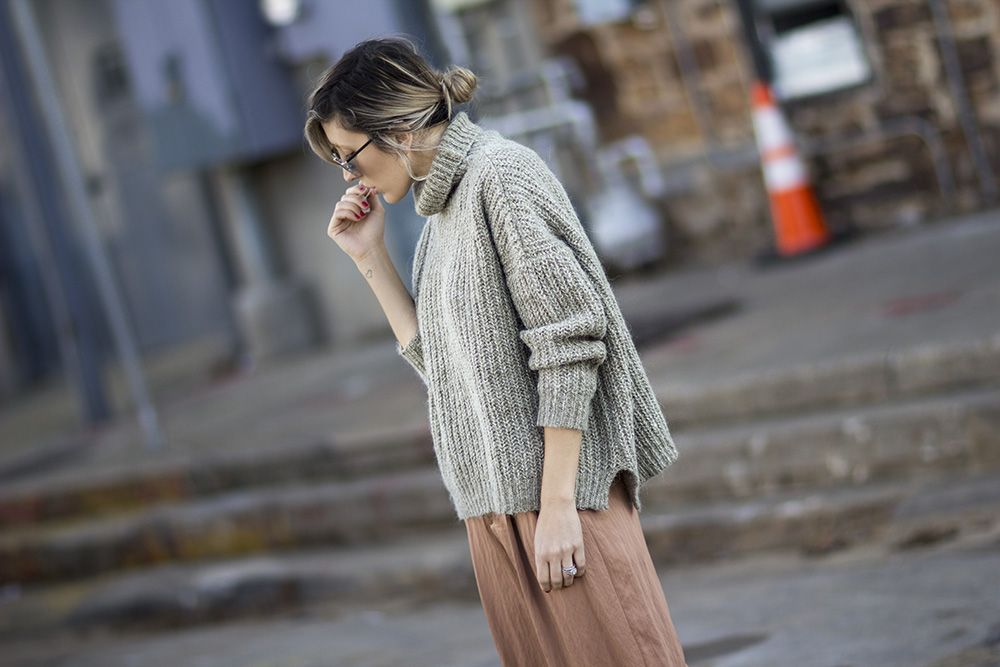 Say hello to my current fashion blog obsession: The Fashion Sight. Created by celebrity and editorial fashion stylist, Angela Fink, her point of view is strong but simple. From jeans paired with ov…
