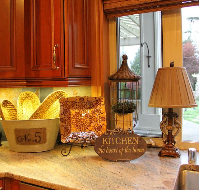Tuscan Decorating Above Kitchen Cabinets: Tuscan Decorating, Home Decor