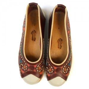 e37584279e Sapato de couro natural com bico quadrado feito por artesão Espedito  Seleiro do Ceará