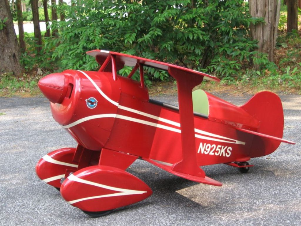 Pitts Pedal Plane -these are adorable and won't cause me to faint, as I did in the REAL Pitts, during a Snap Roll... ;D <3