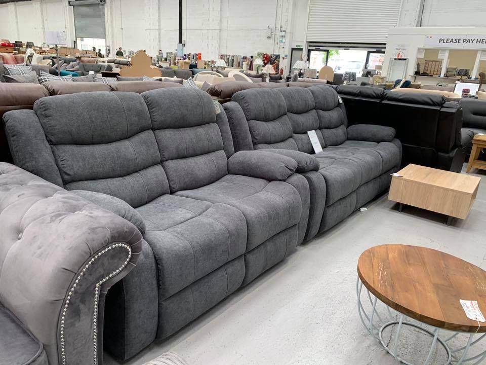 3 2 Reclining Sofa Set 799 Dagenham Store 335 351 Rainham Road South Rm10 8qr Tel 0208 593 4555 Sofa Settee Reclinersofa R Sofa Set Sofa Sofa Outlet