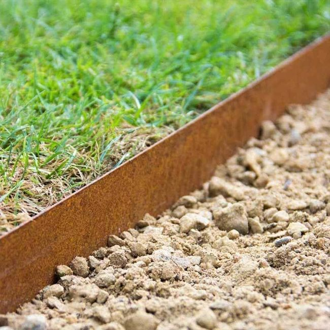 Corten Landscape Edging And Stakes In 2020 With Images Garden Lawn Edging Metal Lawn Edging Lawn Edging