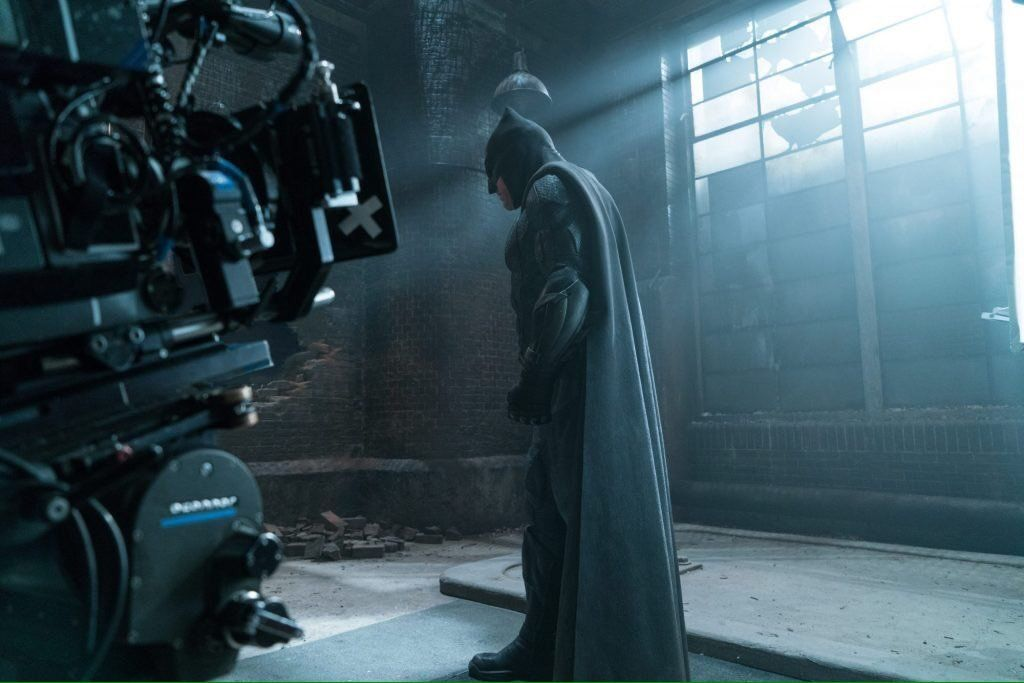 Justice League The Team Assembles On New Magazine Cover As Batman Broods In Bts Photo Justice League Trailer Justice League Superman Poster