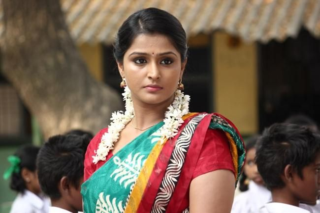 Cool Tamil Actress Ramya Nambeesan New Hd Pictures