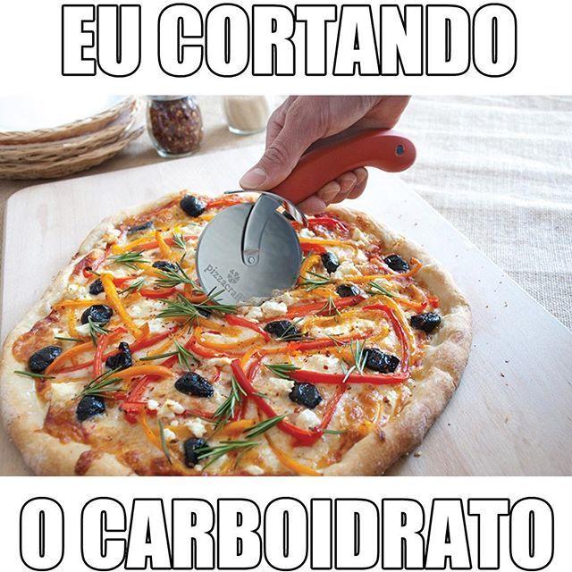 Segunda é dia de começar o regime  Esse de cortar carboidratos é o melhor...
