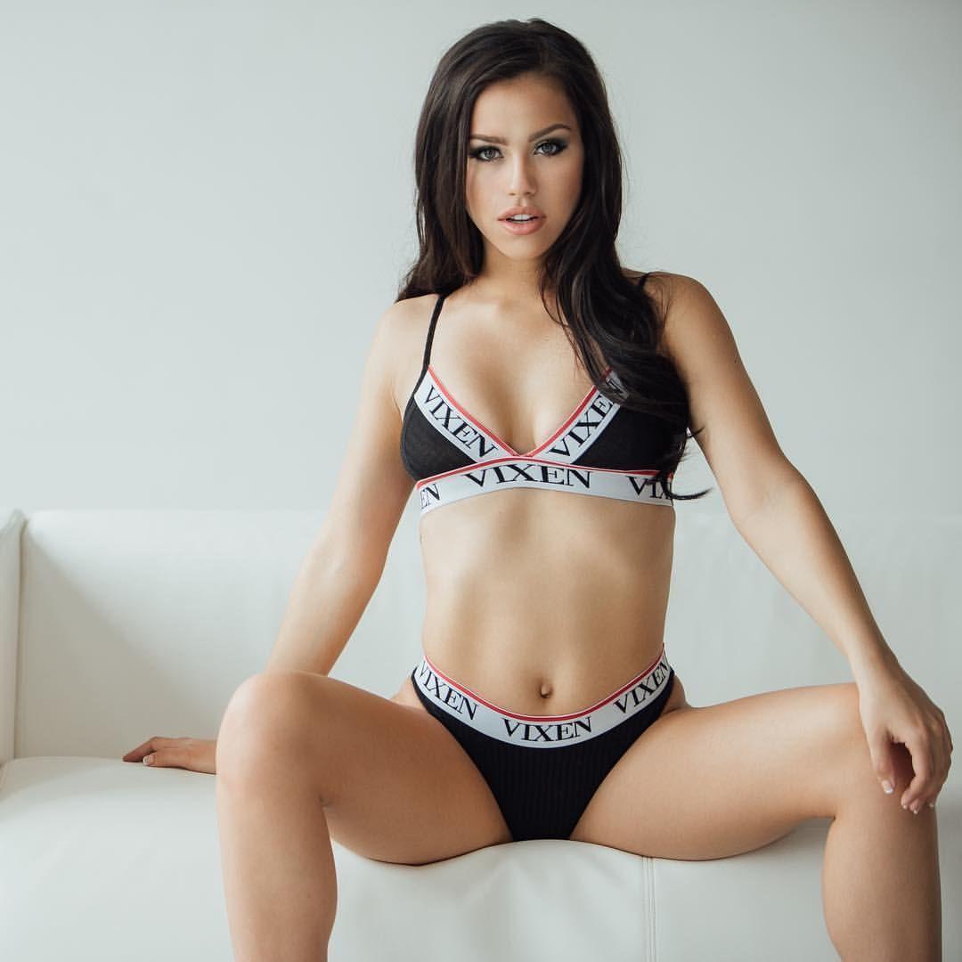 Alina Lopez Nude Photos 35