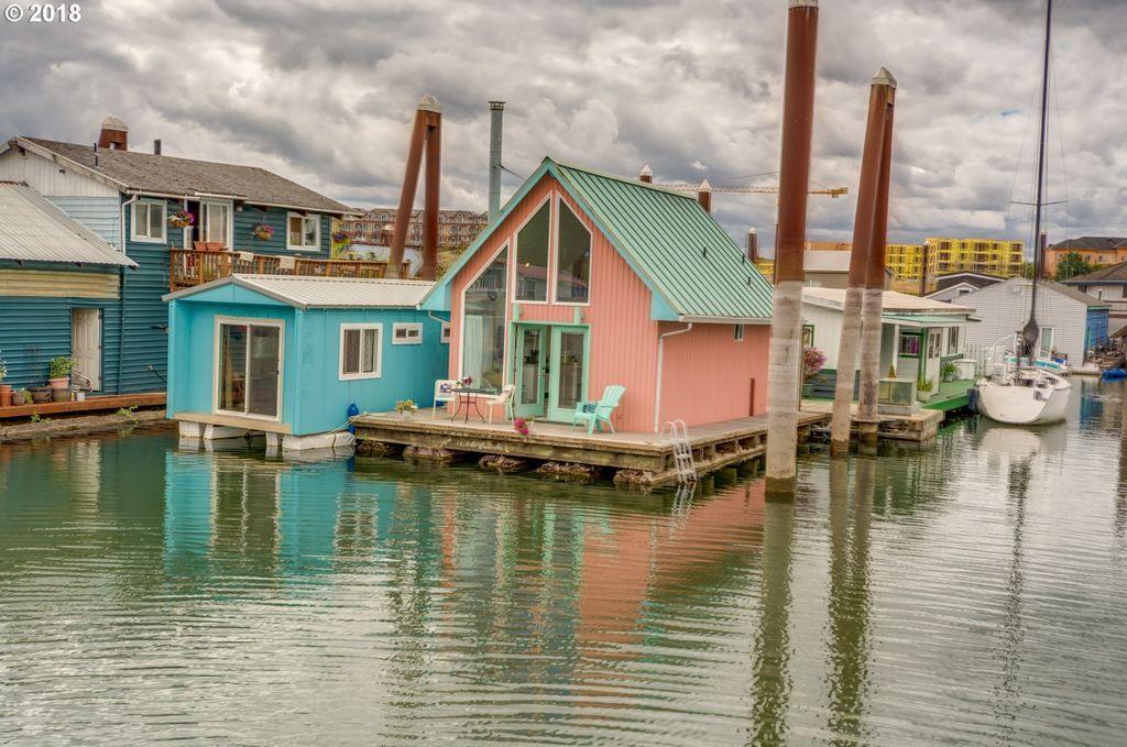 floating homes for sale portland