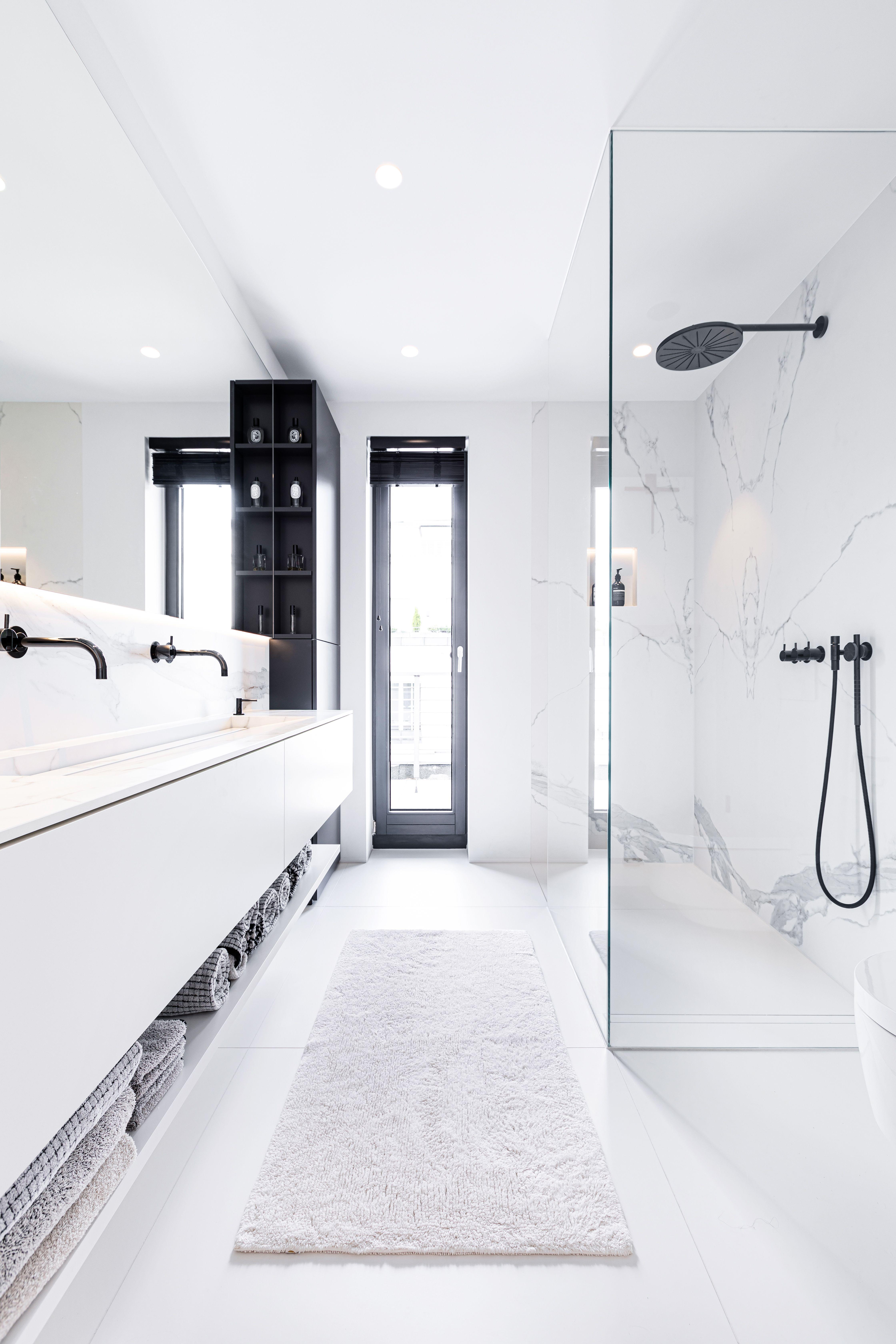 Badezimmertraum Mit Fliesen In Marmoroptik In 2020 Kleines Bad Renovierungen Badezimmer Innenausstattung Badezimmer Dekor Diy