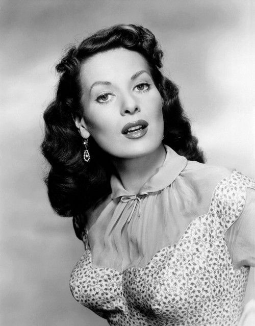 Maureen O'Hara Dead: Star of 'Miracle on 34th Street' Died at 95 #classicactresses