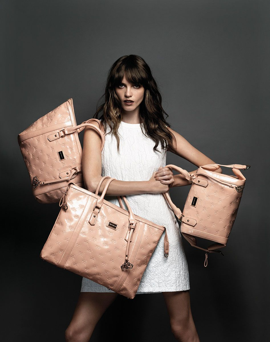 Vestido Fornarina Miron já disponível na First Para mais info: lojafirst@gmail.com telf: 261 322 477