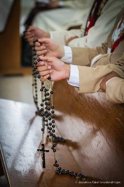 La oración por un familiar o amigo es el mejor regalo en esta cuaresma.