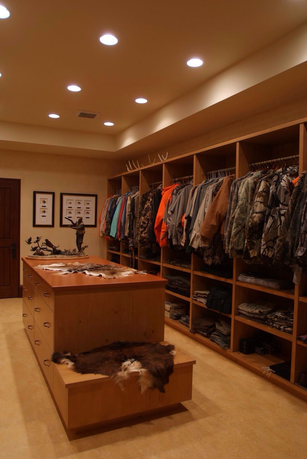 Closet For Hunting Gear And Gun Safes Hunting Hunting