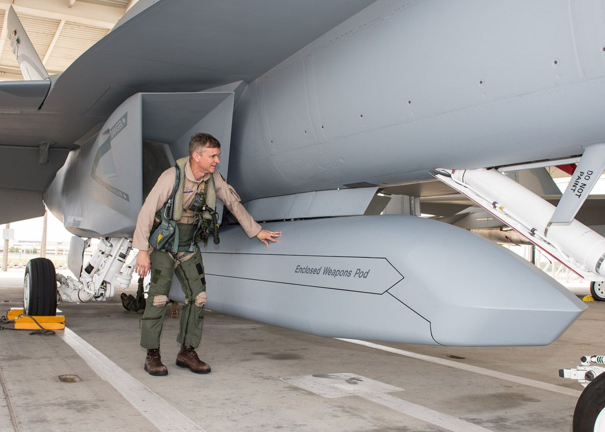 Boeing's F-18 Advanced Super Hornet with Enclosed Weapons ...