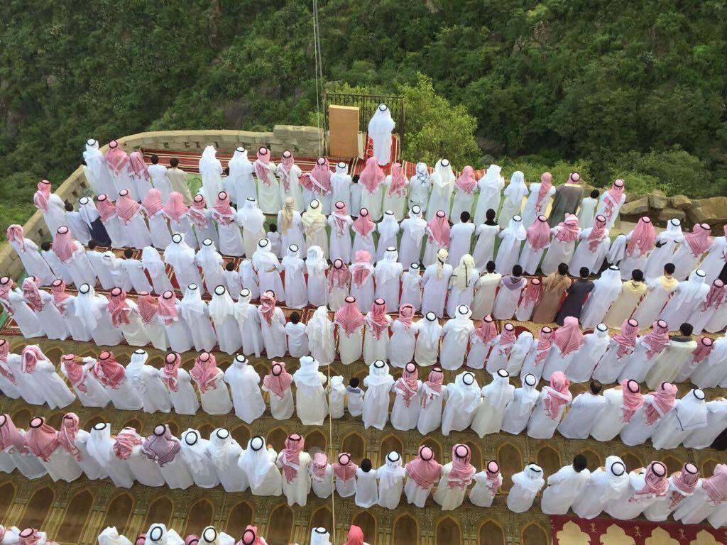 السلام على الغاليين صور جميله لصلاة العيد في فيفا في الجنوب السعودي روعه منظمين ماشاءالله Islamic Quotes Quran Islamic Prayer Islam