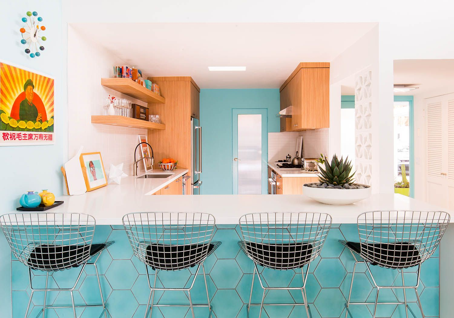 Home Tour: What\'s Old is New Again for This Midcentury Modern House ...