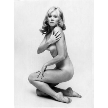 Naked young woman kneeling Canvas Art - (18 x 24)
