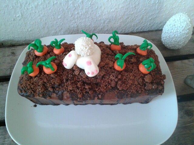 Den Kuchen könnt ihr auch auf meiner Kuchen- Pinnwand genauer betrachten. Frohe Ostern 2015! :)