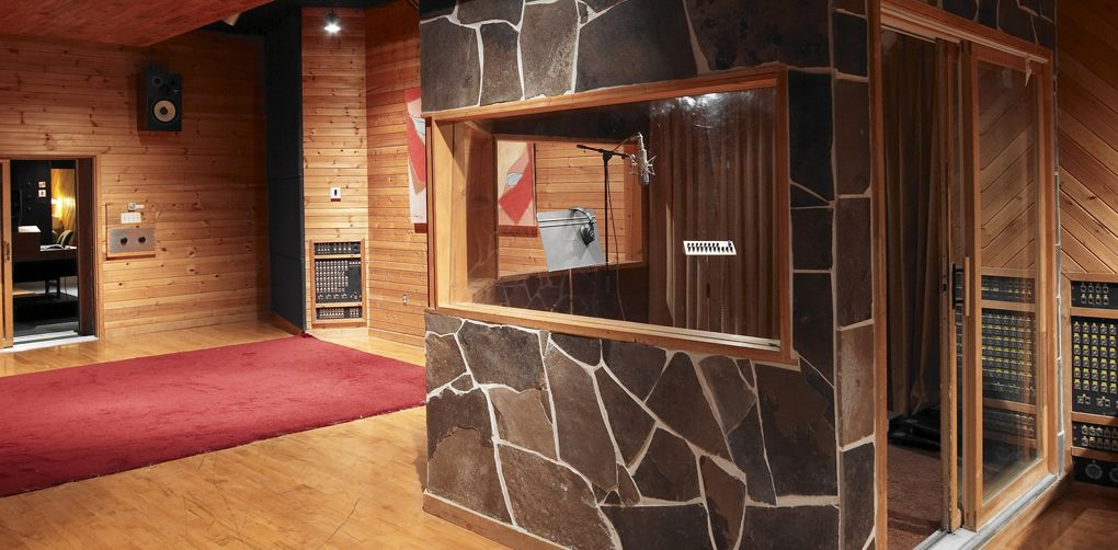 Fantastic 17 Best Images About Recording Studio Radio Booth Rendering On Largest Home Design Picture Inspirations Pitcheantrous
