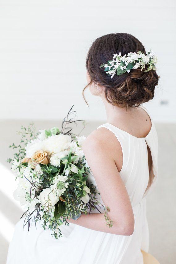 Elfenbein Blumen Haar Kamm Floral Halo Braut Haar von GildedShadows #bridalhairflowers