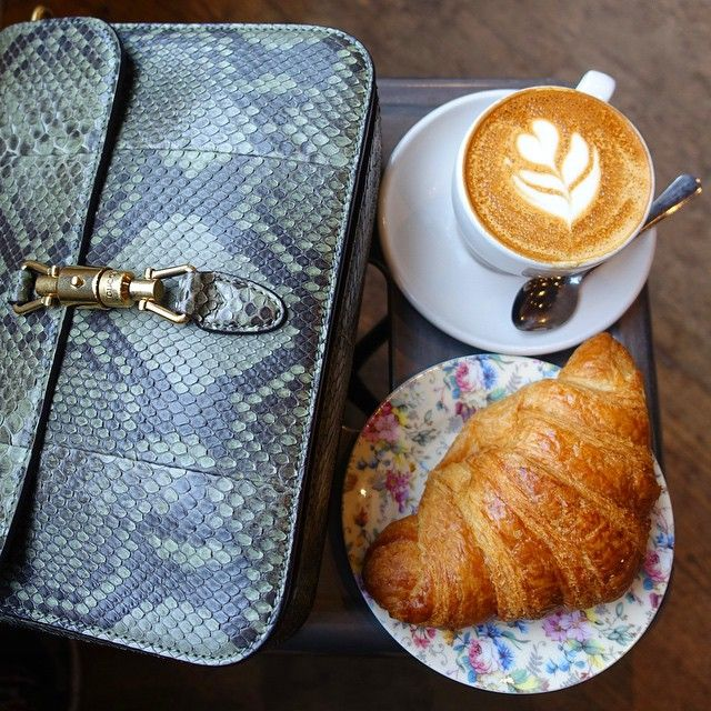 The Sunday morning ritual feat. @gucci #bagsandbrews