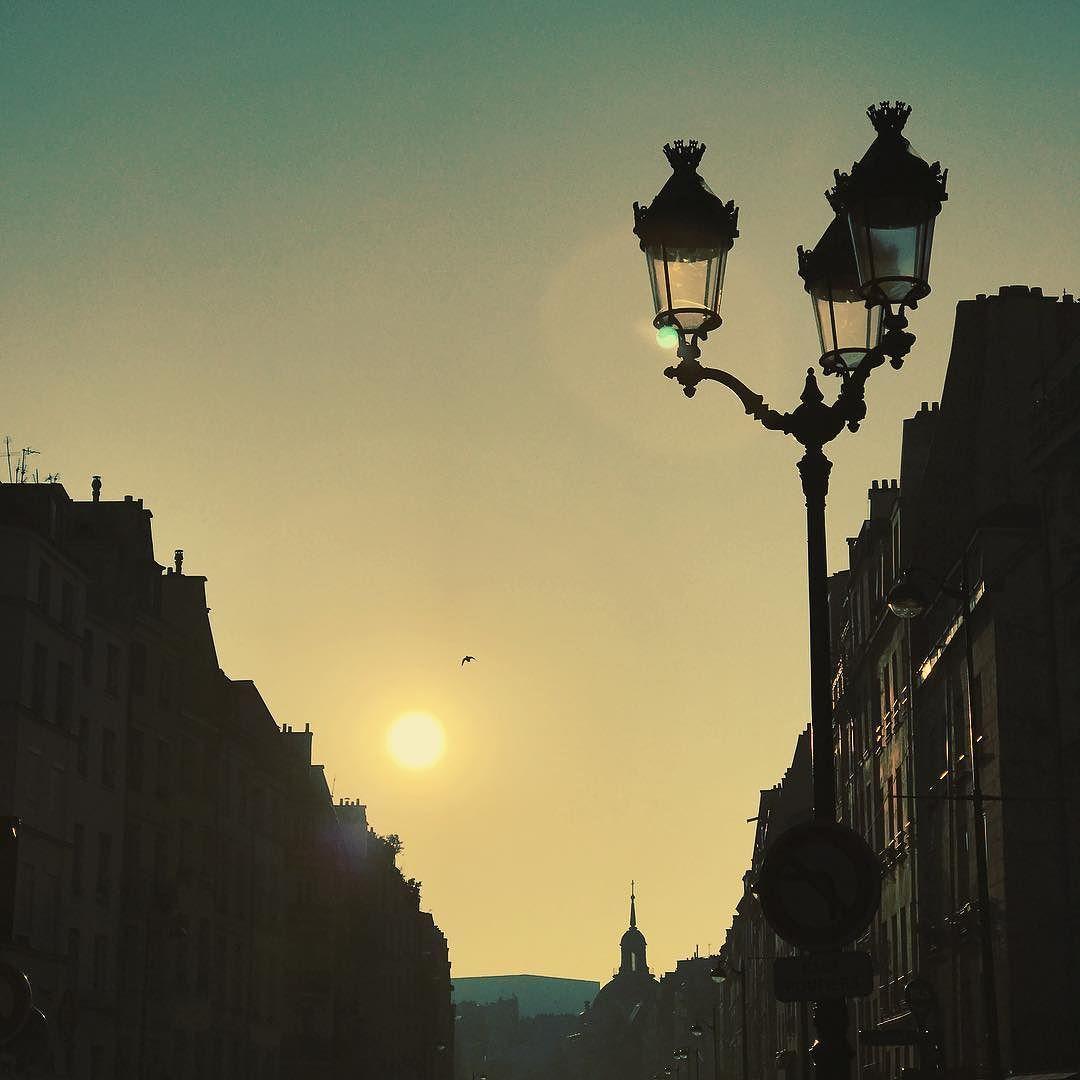 Pop pop pop ! Allez au boulot ! #paris #paname #sun #morning