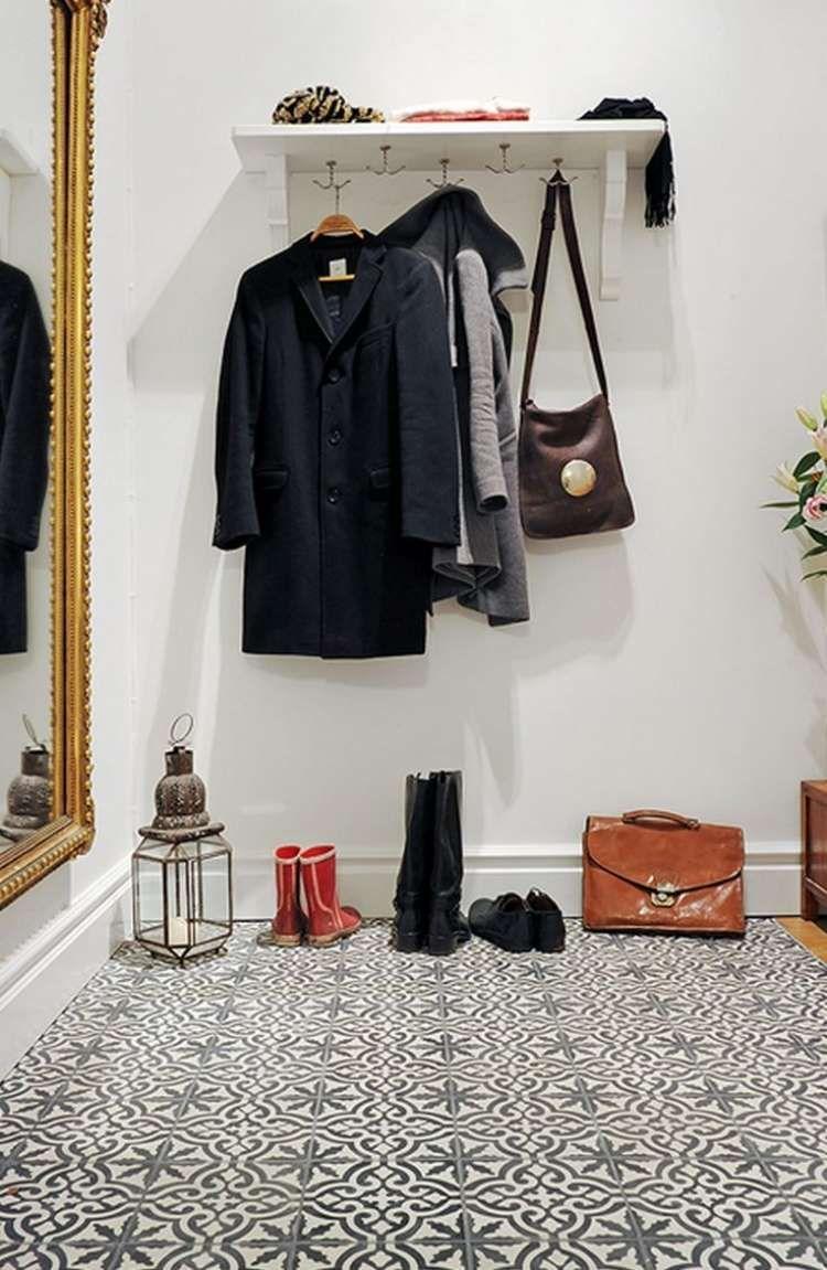 fliesen mit schwarz wei en ornamenten f r moderne. Black Bedroom Furniture Sets. Home Design Ideas