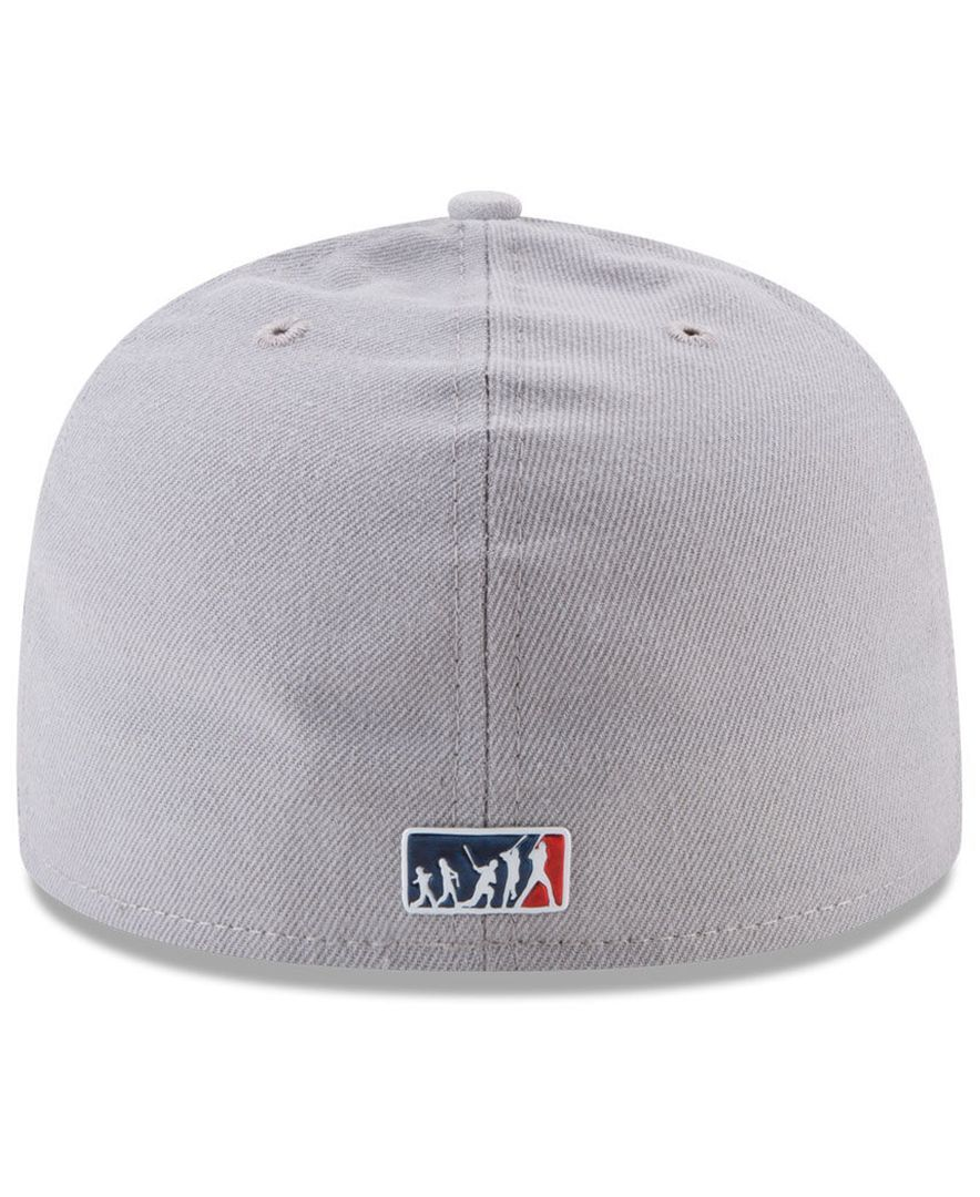 cheap for discount 4bf24 85aee Your fan has gotta have at least one classic fitted cap in their  repertoire, and