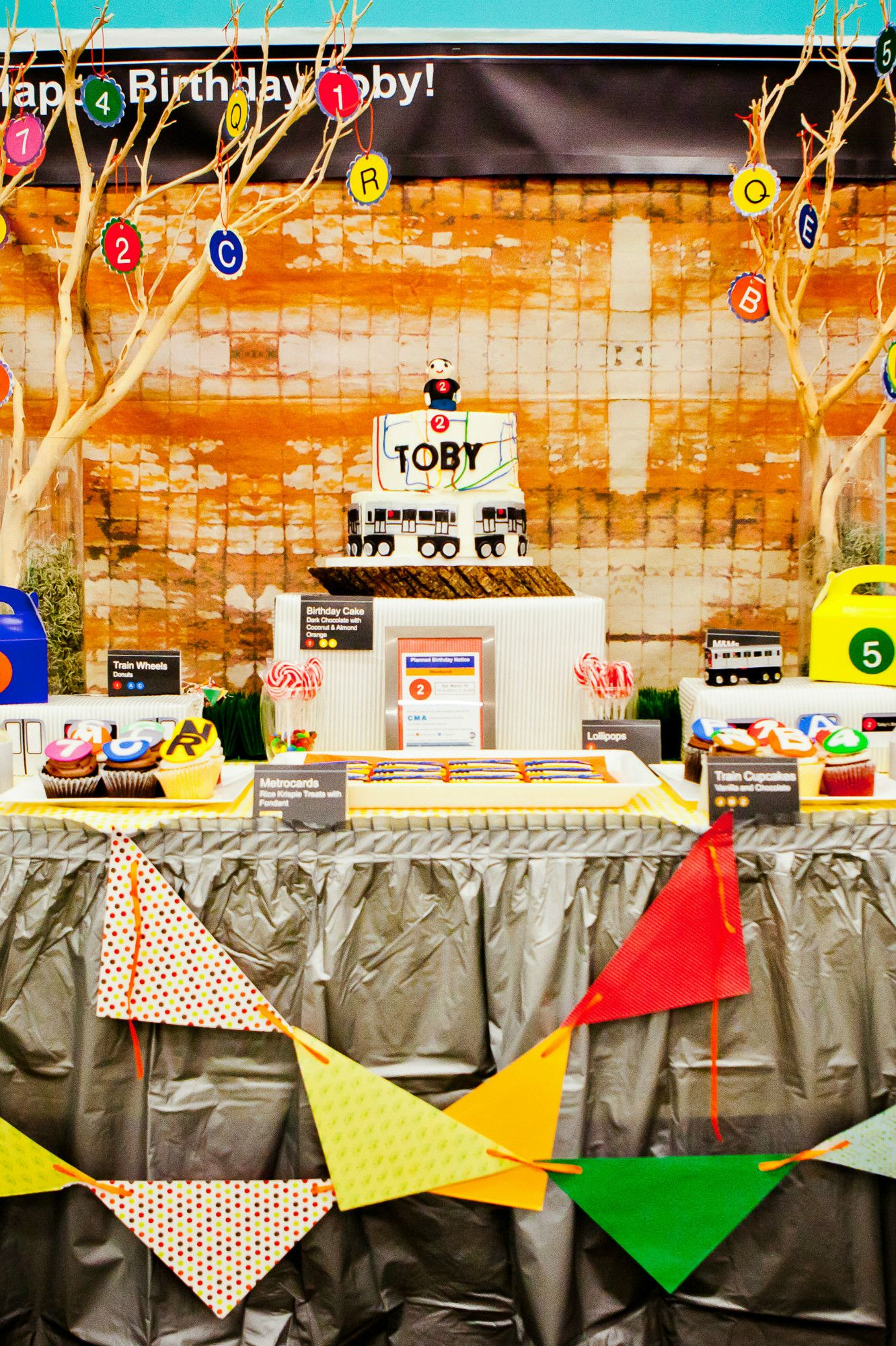 Nyc Subway Birthday Party Tablescape Black Twine Boy Birthday Parties Nyc Subway Birthday Party Themes