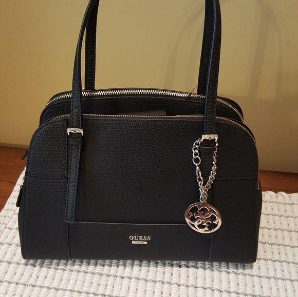 b9f8a22dd49 Cozy GUESS BAG Guess Handbags in 2019   Bags Gamuza ♡   Guess ...