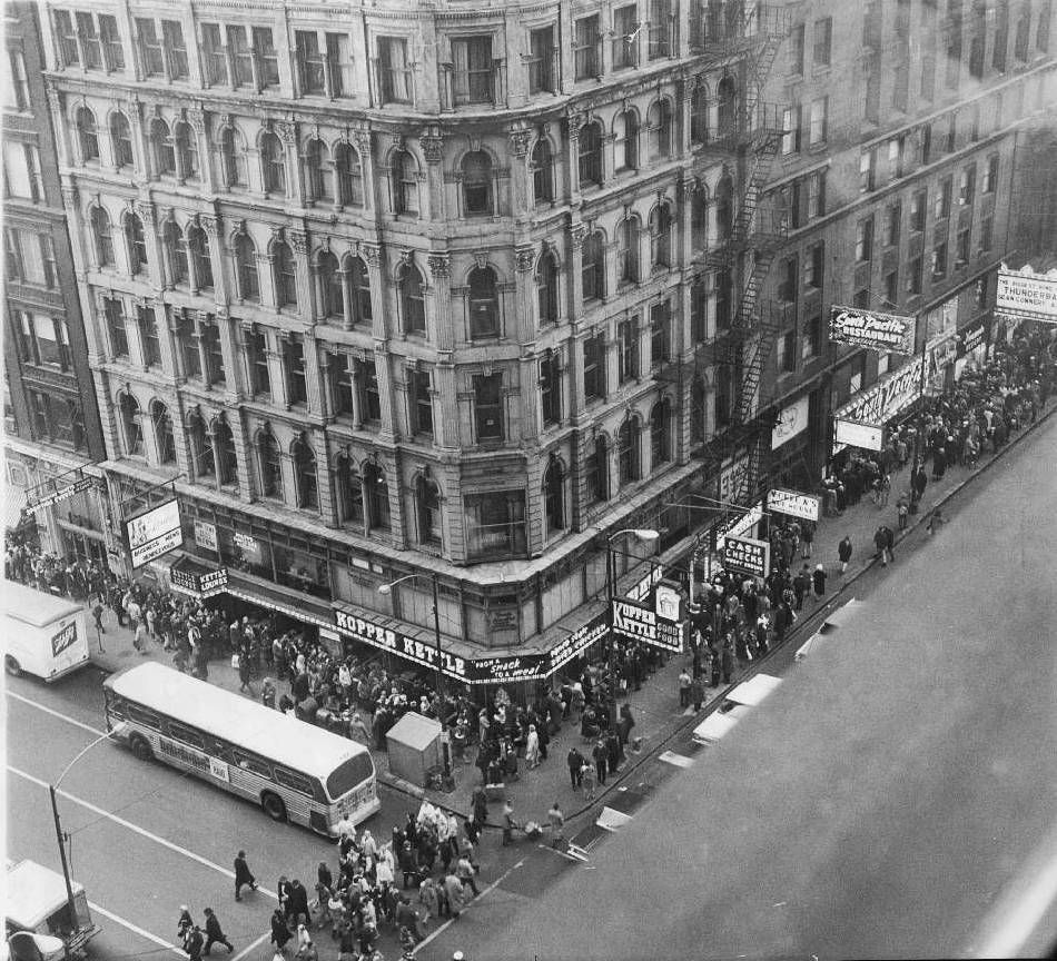Photo Chicago Dearborn And Randolph Aerial Crowds Many Business Signs Kopper Kettle Restaurant B And W 1965 Chicago Photos Downtown Chicago Photo