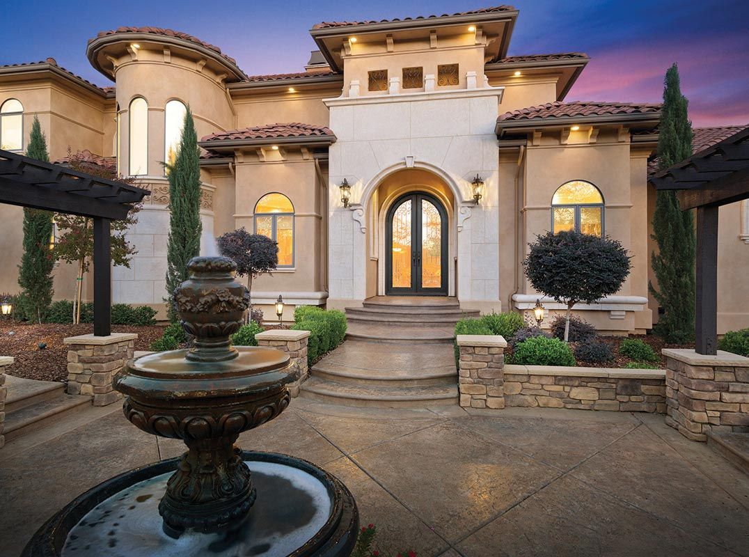 Breathtaking Home Offers Distinctive Living On 10 Acres Listed By Nick Sadek Nick Sadek Sotheby S Inter Luxury Homes Luxury Realtor House And Home Magazine