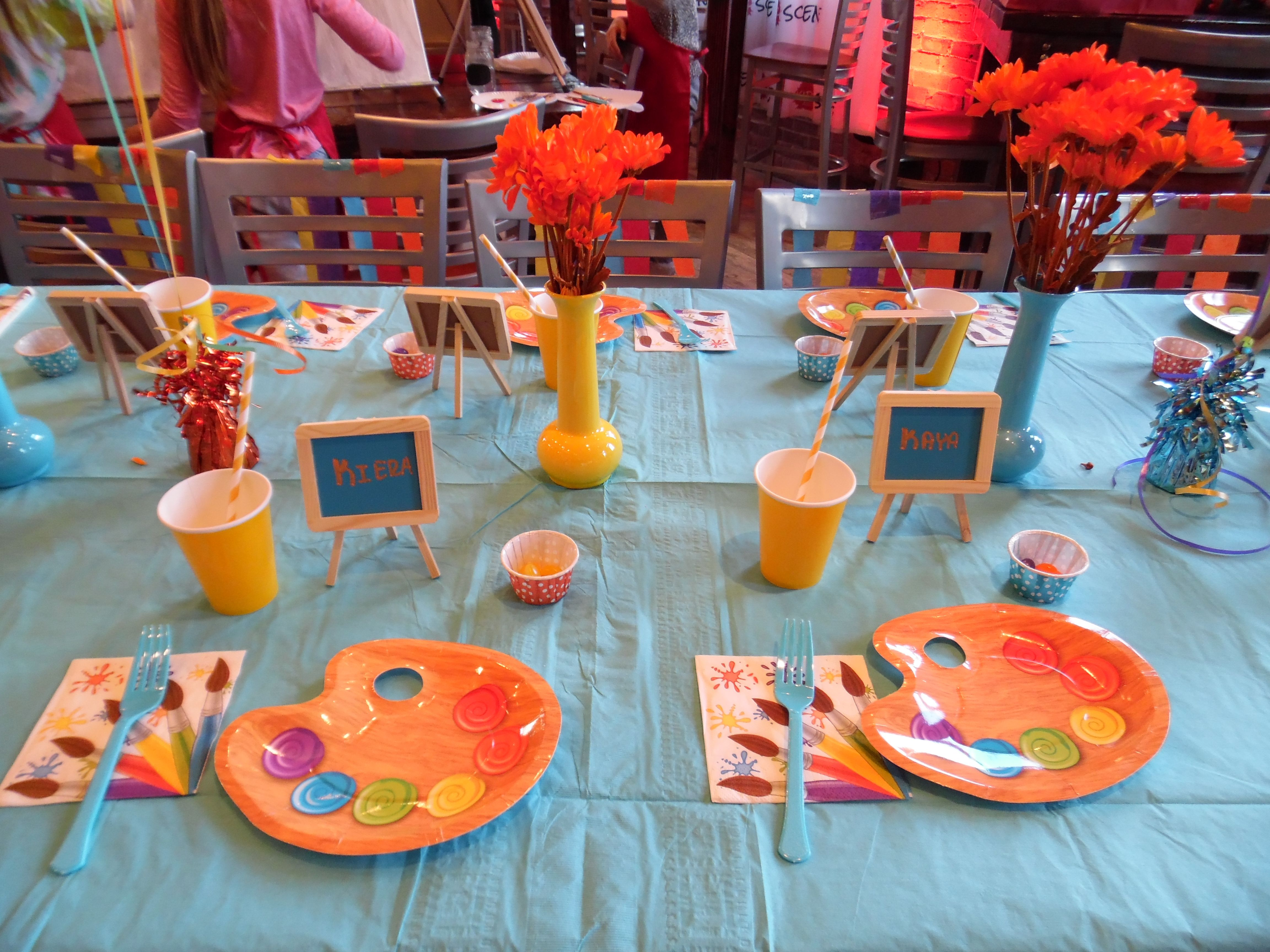 How to decorate a table for children