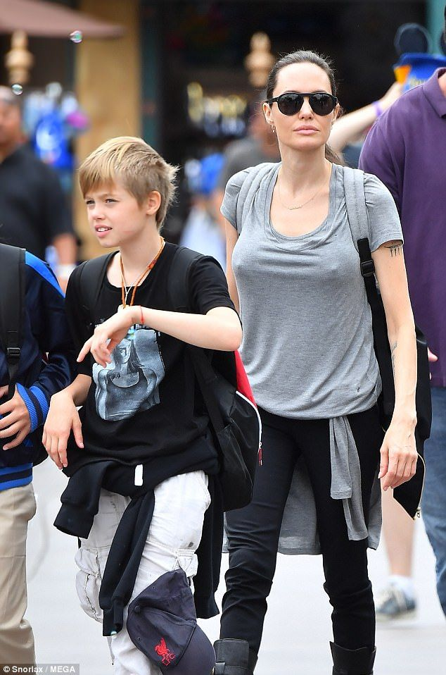 Angelina Jolie takes her children to Disneyland for Shiloh ...