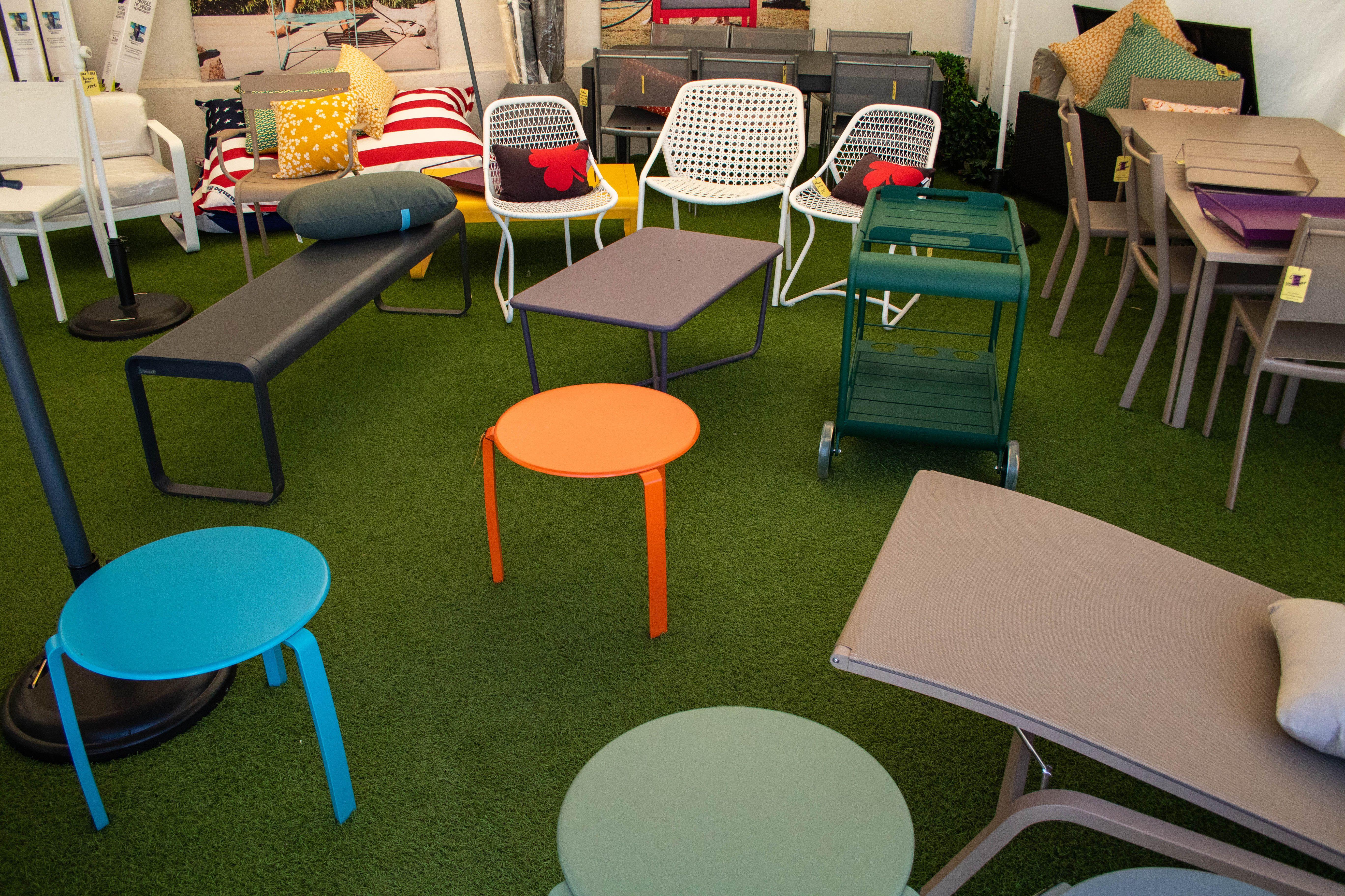 Notre tente Fermob, toujours haute en couleur ! #décoration ...