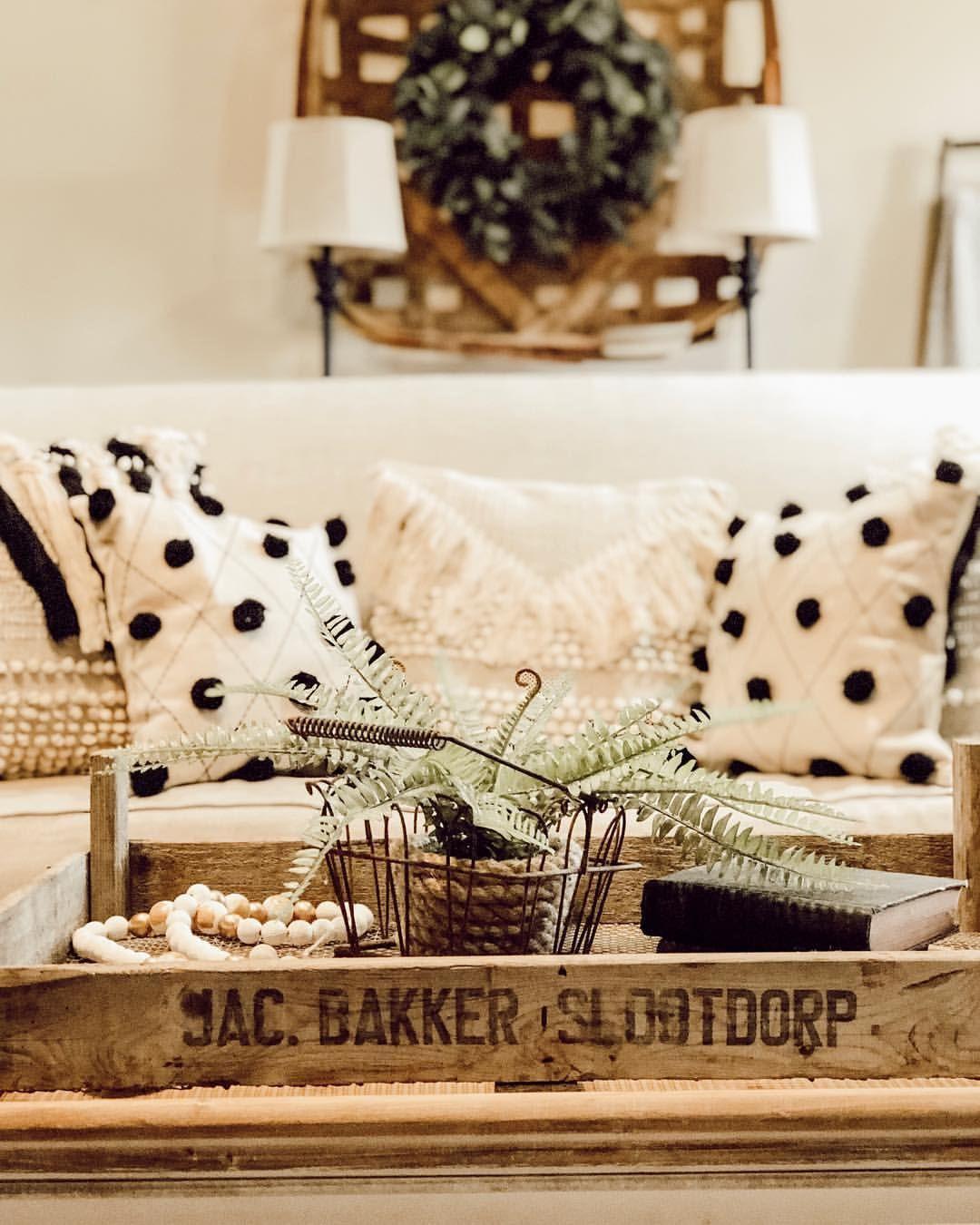 Living room, throw pillows , modern farmhouse