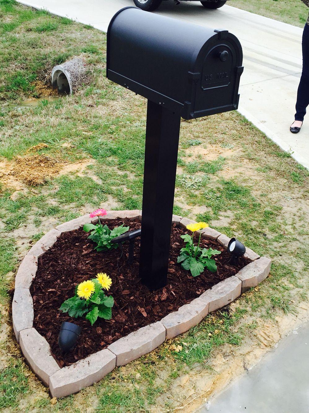 simple mailbox landscape idea
