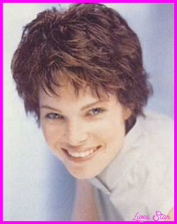 Cool Short Haircuts For Wavy Hair Women Over Haircuts Pinterest