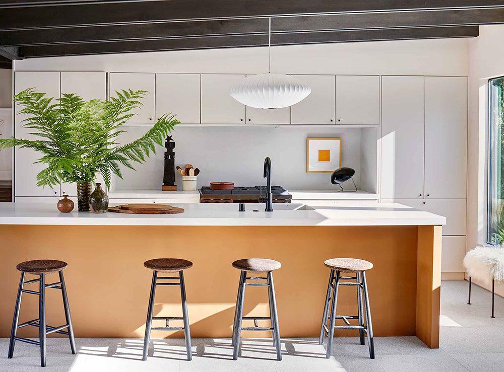 Celebrity home actress Sophia Bush's vibrant bungalow in